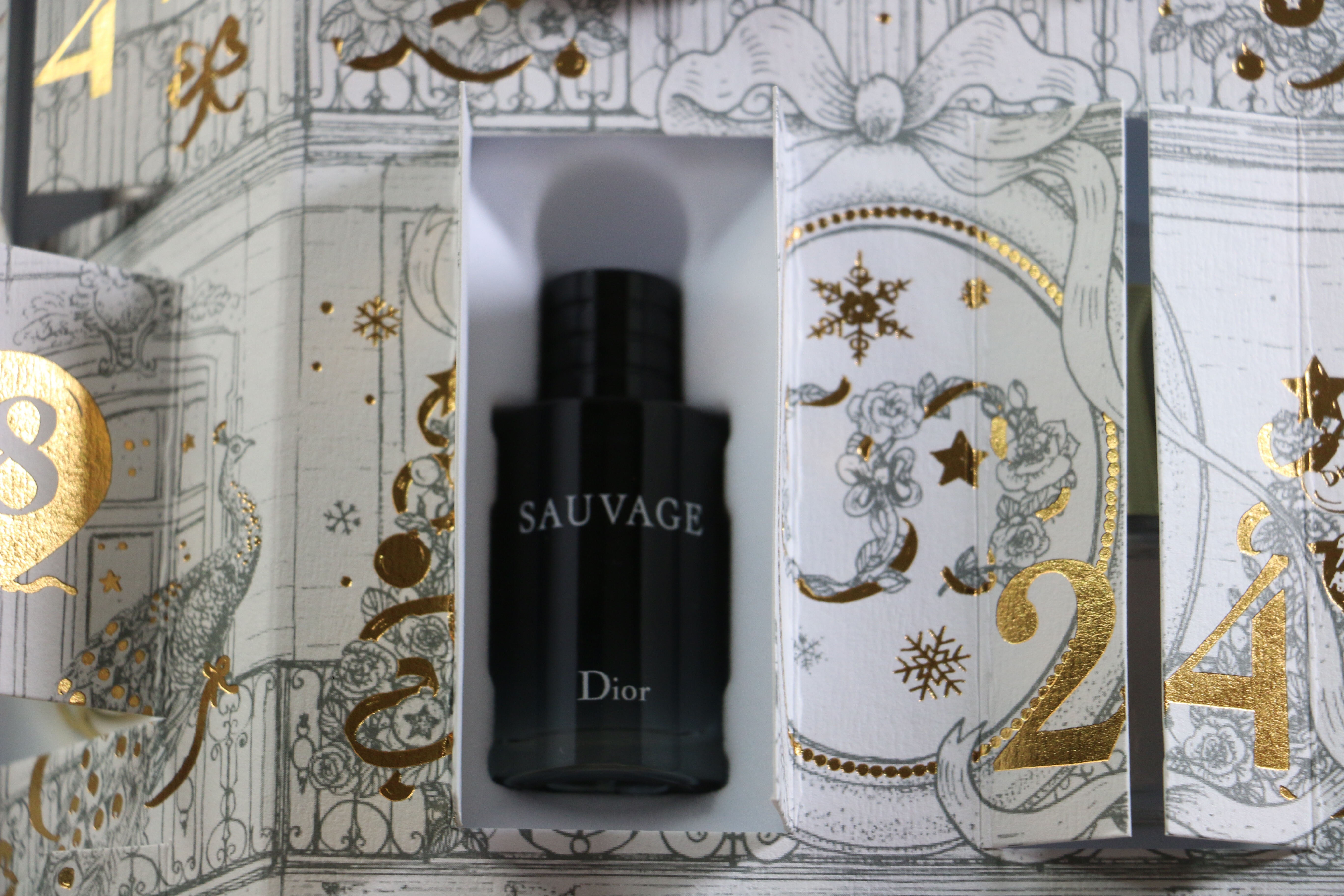 Calendrier Avent Parfum.L Incroyable Calendrier De L Avent De La Maison Dior Barry